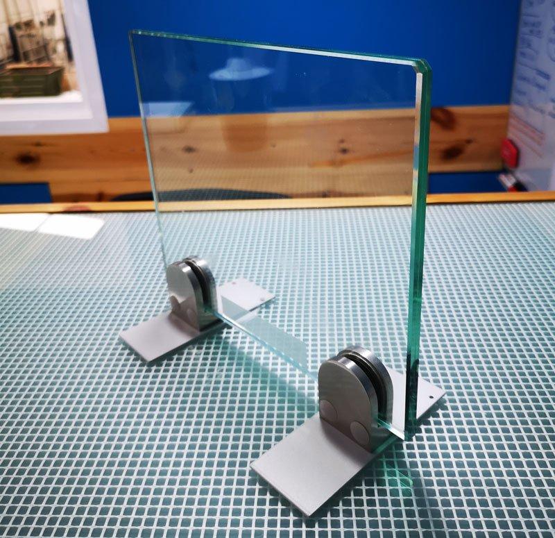 Mamparas de cristal anticontagio y de protección frente al Covid-19